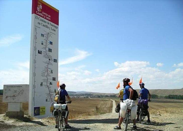 El Camino de Santiago en Castilla y León ofrece una red de 10 puntos de información de «guardia» para peregrinos