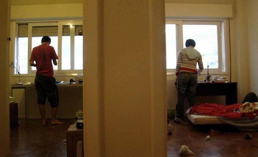 El compa ero de piso ideal es soltero estudiante no - Piso de soltero ...