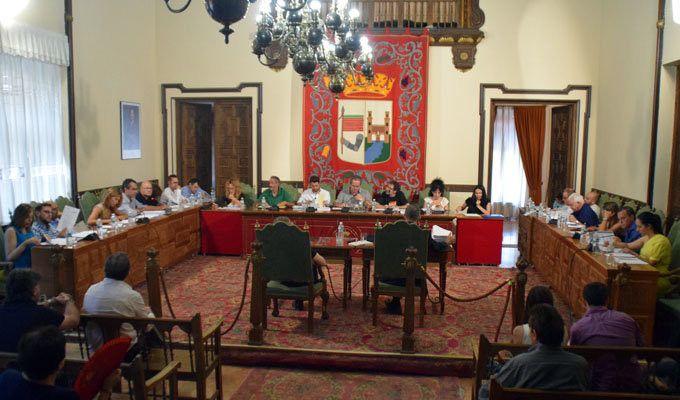 El Pleno aprueba por unanimidad que los jardines del Castillo lleven el nombre de Baltasar Lobo