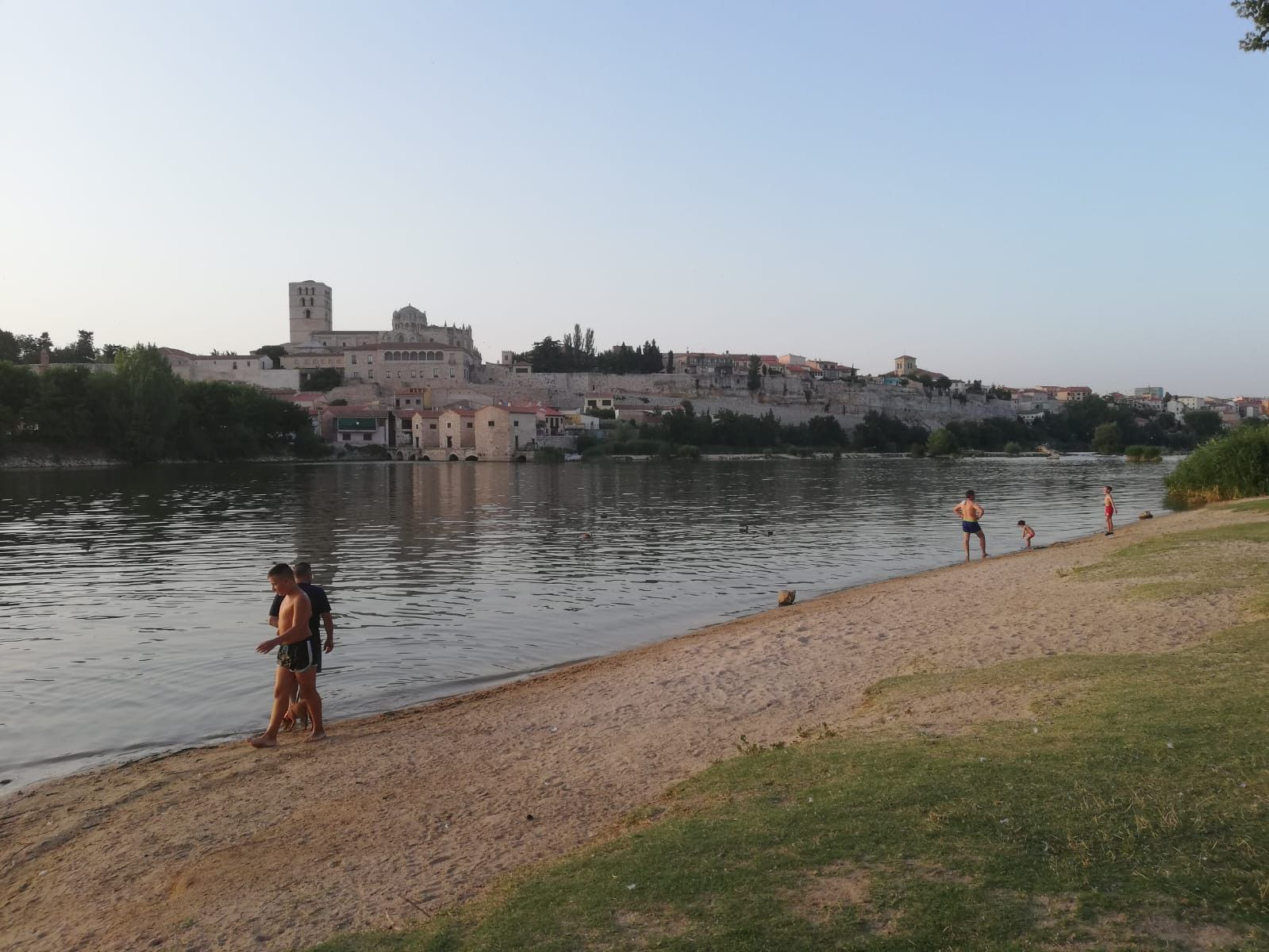 Calor playa pelambres verano rio (6)