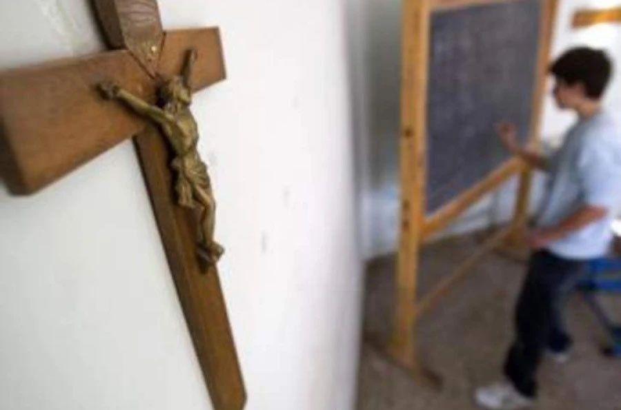 Profesores de religión temen despidos si la asignatura deja de contar para nota y no descartan salir a la calle