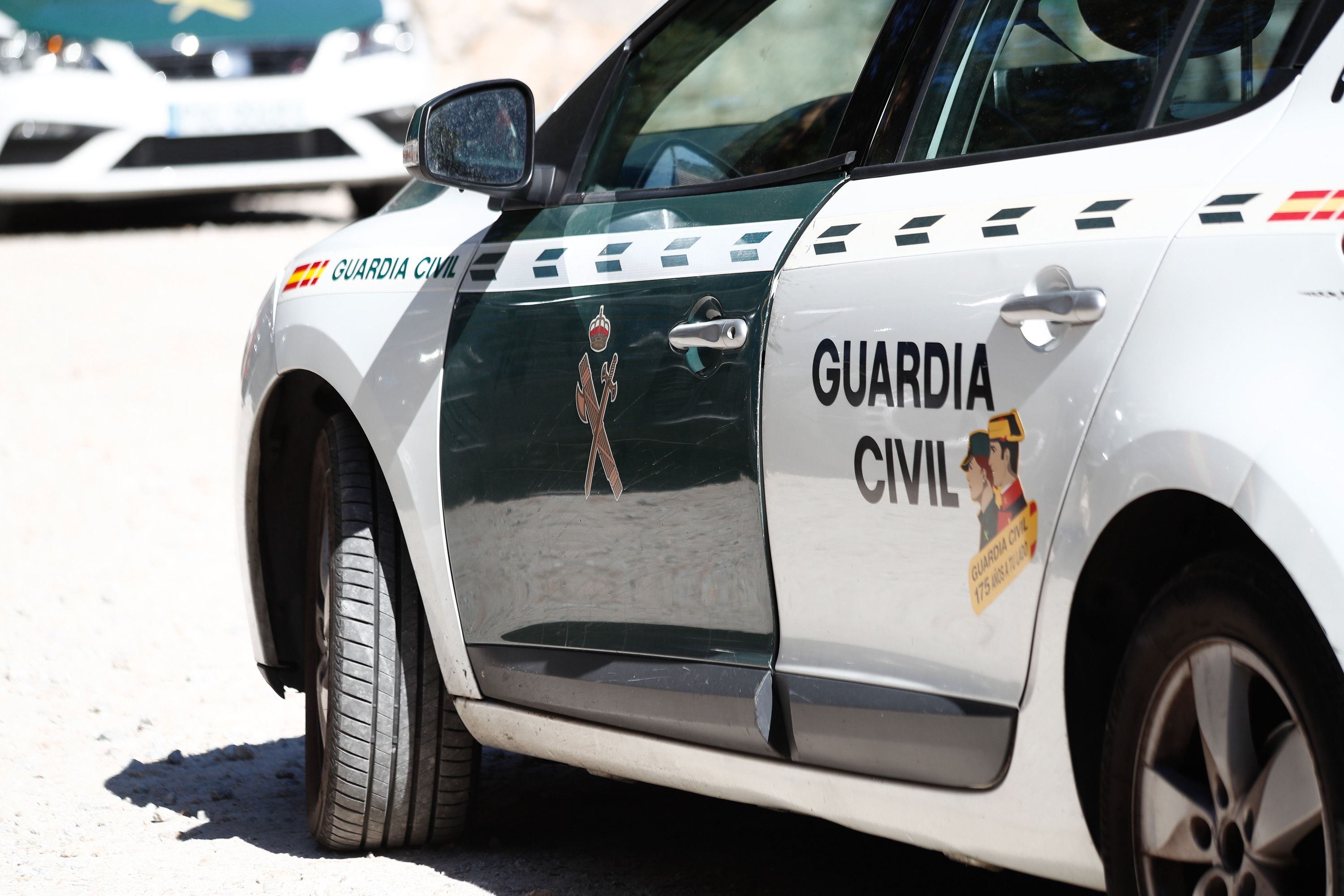 La Guardia Civil disuelve una multitudinaria pelea por el intento de okupación de una casa