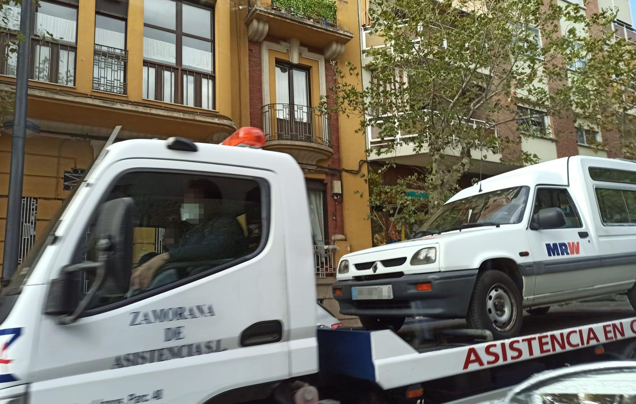 Accidente avenida requejo (2)