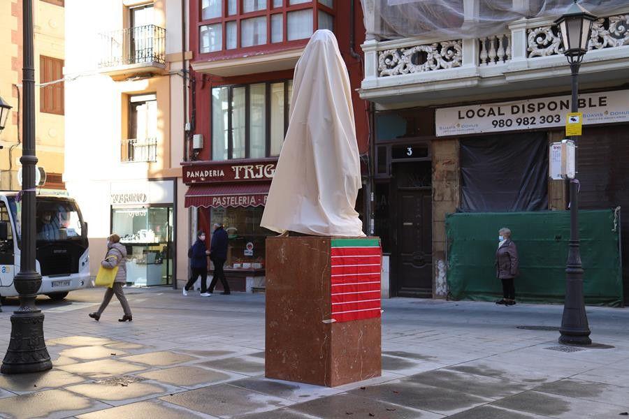 Sagasta escultura adan (2)