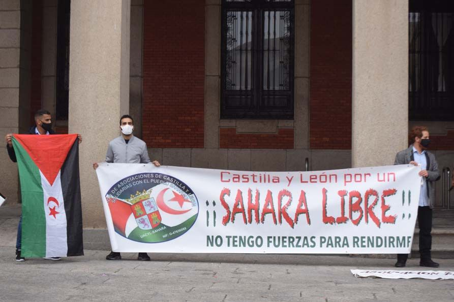 Concentración a favor del Sáhara en la Plaza Mayor